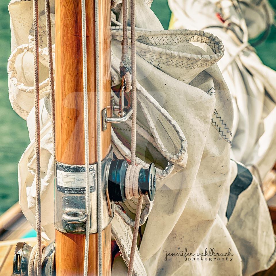 Wooden Beauty II - Jennifer Vahlbruch