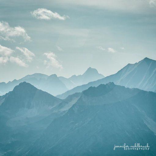 Blue Mountains I - Jennifer Vahlbruch