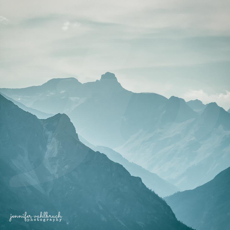 Blue Mountains II - Jennifer Vahlbruch