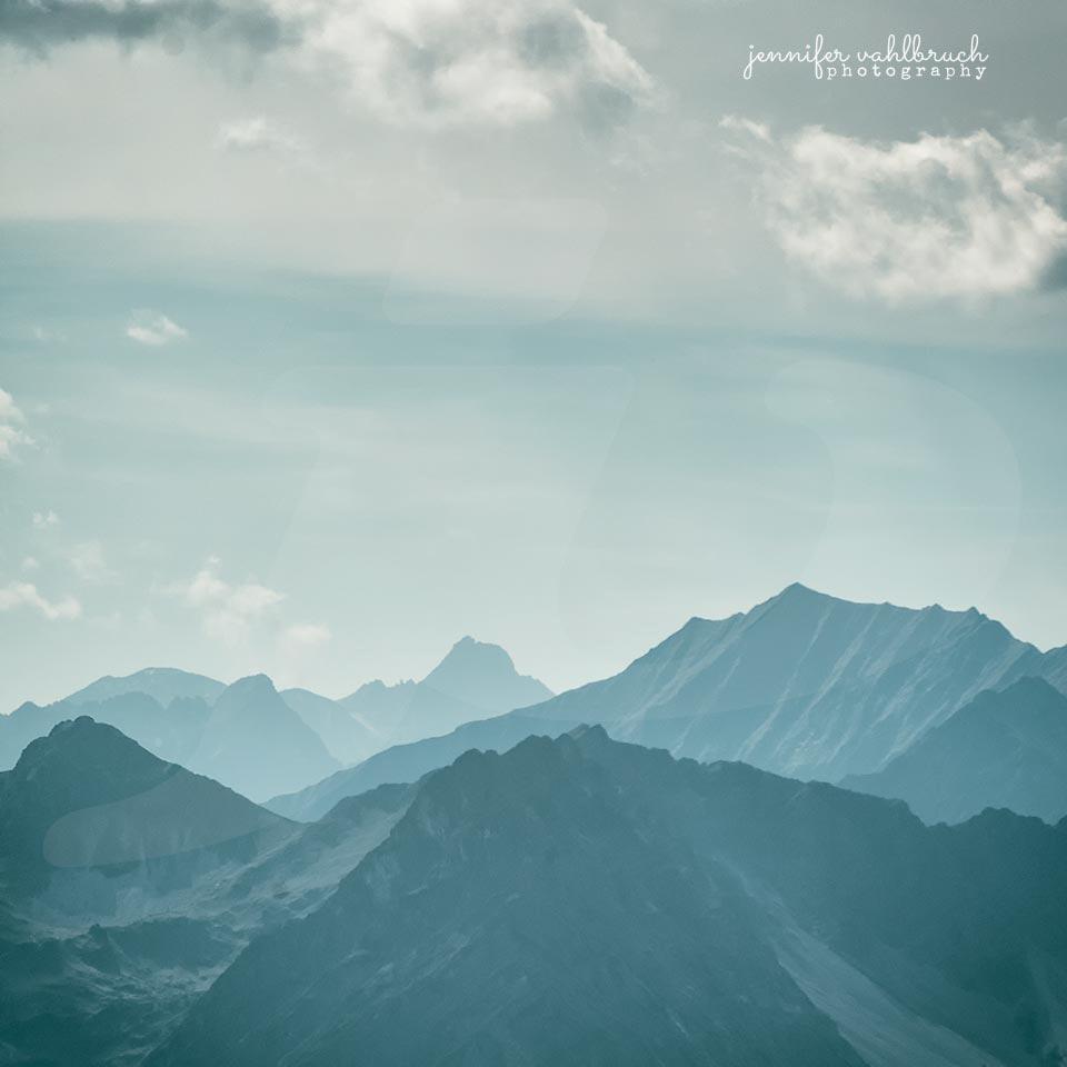 Blue Mountains III - Jennifer Vahlbruch